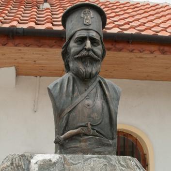 Паметник на поп Груйо Бански